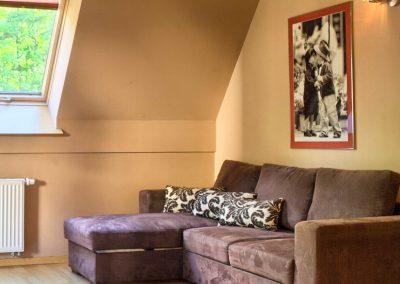 U Świstaka - sofa w salonie