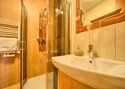 Tetmajerówka - umywalka i prysznic